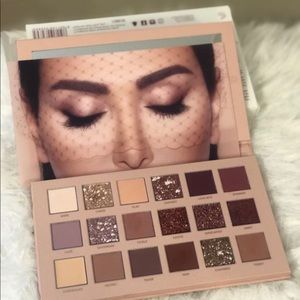 Hide nude eyeshadow pallete